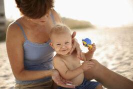 Protetor Solar: quando bebês devem começar a usar?
